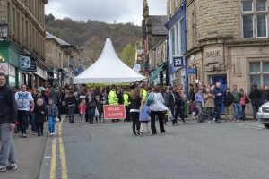 Hoards of people gathering on Bridge Street during 2014's festival.